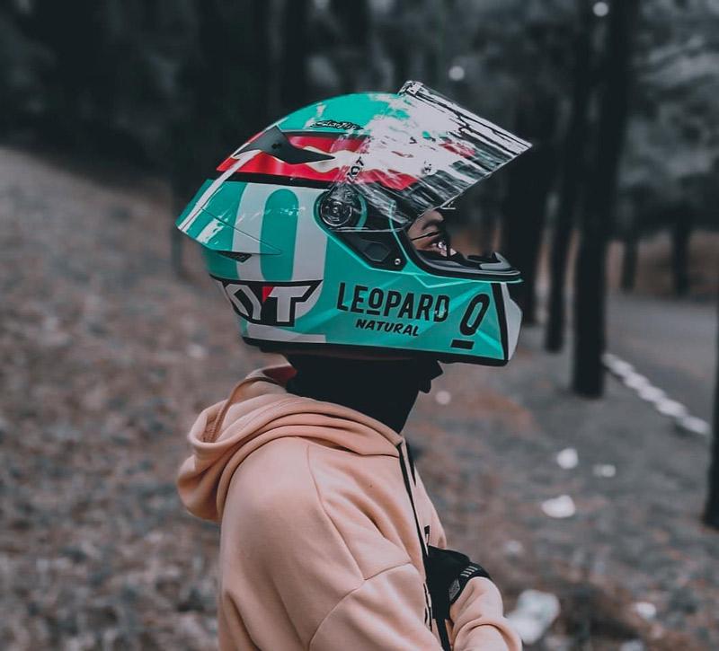Giải mã điểm thú vị của mẫu tem đua mới nhất KYT TT Course Leopard Jaume Masia Rep